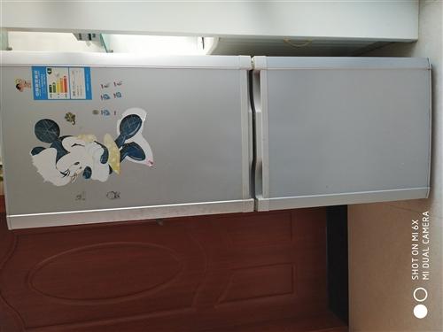 176升海尔冰箱便宜处理。冰箱尺寸长x宽x高60x52.5x148.5(cm)