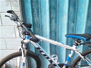 山地自行车8成新,闲置现低价处理