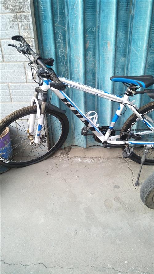 山地自行車8成新,閑置現低價處理