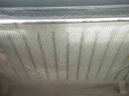 两档温控调节水暖,双晾衣架,有保护装置顶开关。