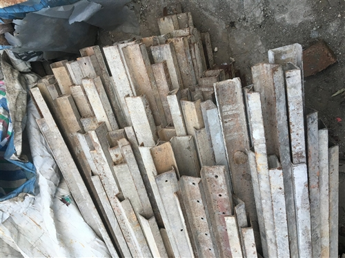 盖房子用的槽钢,2米到5米,现在盖房子的人少了,低价出售转让