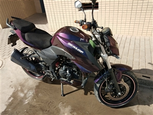 本人有摩托车出售!行驶一万公里!