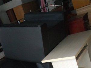 收售各种家具电器,火锅店桌子,办公桌,酒店设备等