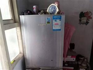 搬新家便宜处理自用冰箱