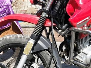 此车出售,雅马哈125,本人在金沙国际网上娱乐官网开店因家中有事店转出,摩托车低价出售,原车原版原漆一手车,如有需...