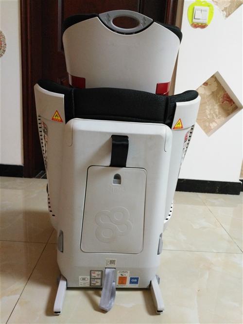 转让安全座椅,品牌:宝贝第一,安转方式:isofix+安全带,可以调节角度,正向安装,适合9个月到1...