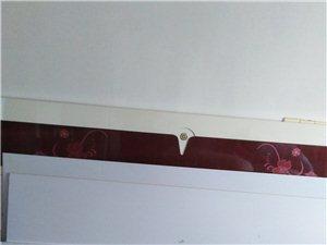1.8/2米的實木床架,不帶墊子,買來4000多,便宜處理,限同城,非商家。