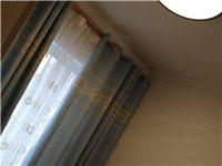 两室一厅出租:  新装修没有住过的,一年起租,文兴盛世龙城六号楼一单元。 137 1524 6682
