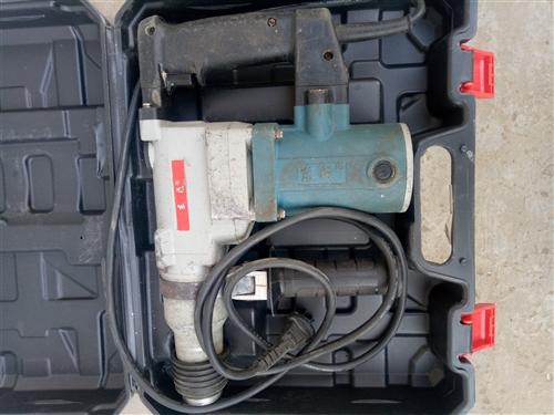 东成电锤不用了质量美得很需要的联系13109650397地址:坊镇