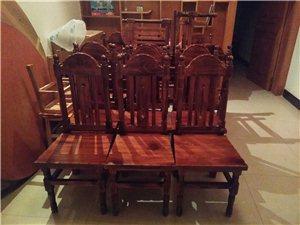 本人现有部分实木椅子低价转让。