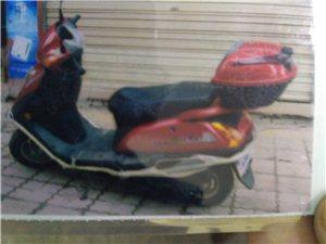本人有一辆钱江牌QJ125-9e踏板摩托,车龄5年,但因为只是周一上班周五下班回家代步,S所?#28798;黄?#20102;...