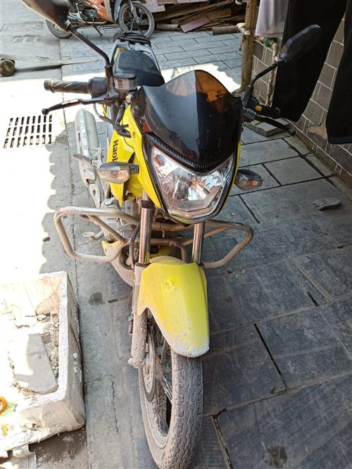 本人出门打工,有铃木一辆摩托车出售,有意者联系18785525773