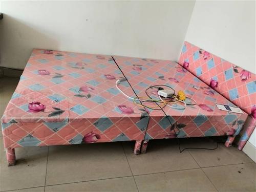 布包床只用了一年,搬家便宜处理