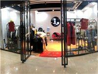 服装店9成新货架,带模特衣帽间,收银台