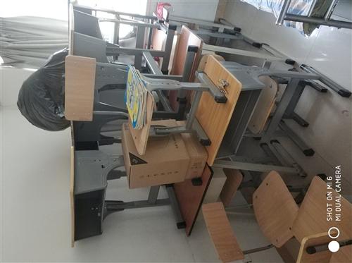 课后辅导班课桌椅,16套