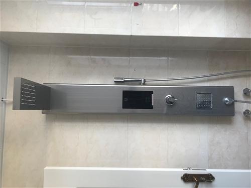 圣洛威集成電熱水器,9成新。原價3980元,現2600元包安裝。有需要的朋友請聯系我。