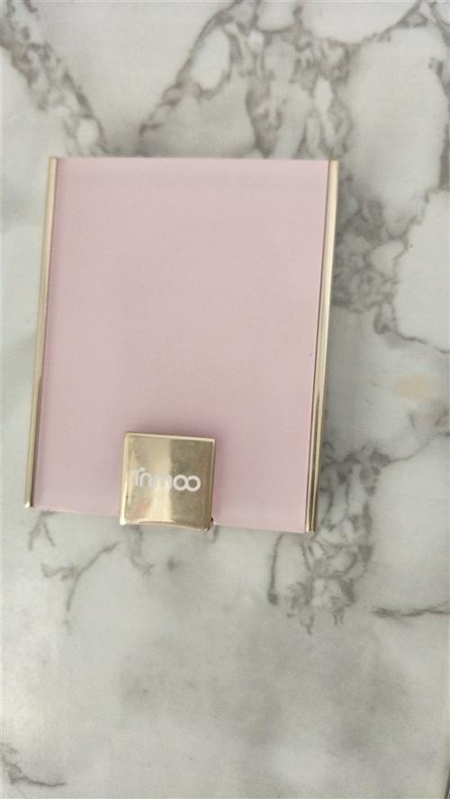 做活動一次性購了兩盒,自用粉色!   這款大地色僅試色,留著也沒用,現低價轉讓給合適的人