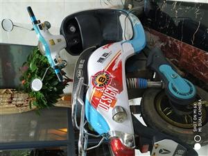 本人有一辆小龟电动车转让,60v大电瓶。去年刚换的电瓶,有看上的来电13970752878