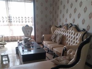 欧式新沙发,因本人要参加搬家,沙发买回家一个月,新婚可用,沙发26000,餐桌6000-现在两套20...