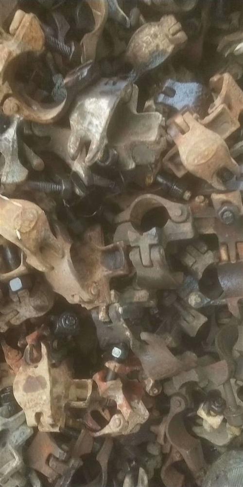 本人架子工,真诚求购旧钢管扣件