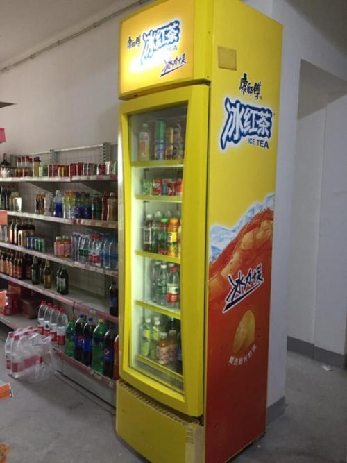二手冰箱展示柜因不做了,冰箱展示柜100元,要的联系我13873447809