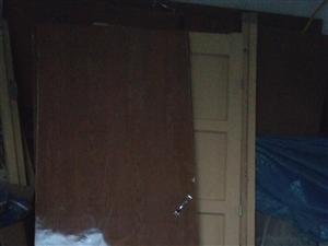 装修房子拆下来的工程门,都是新的,有要的联系我