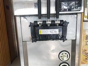 ?#22270;?#36716;?#27599;?#38634;冰淇淋机,九成新。插电就可用。店铺转让用不到了。