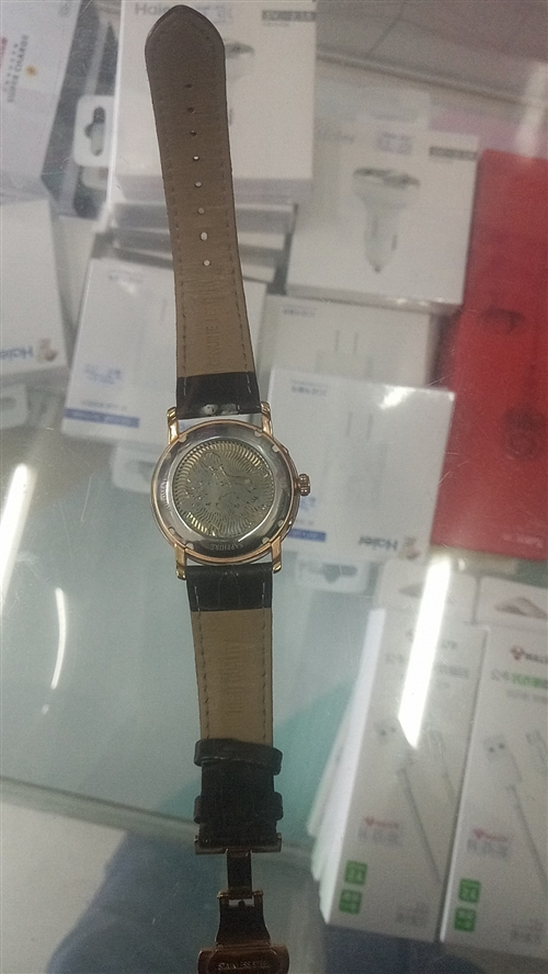 自己的手表    帶煩了想賣了         非誠勿擾        價格可以小刀