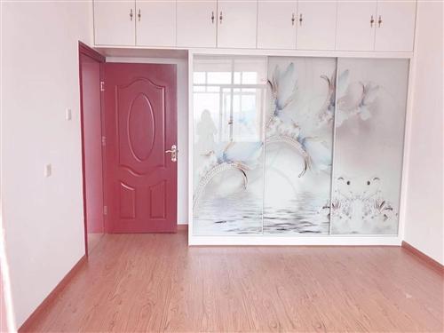 金装修,3室2厅2卫,价格美丽,领包入住!个人房源出售,欢迎来电咨询