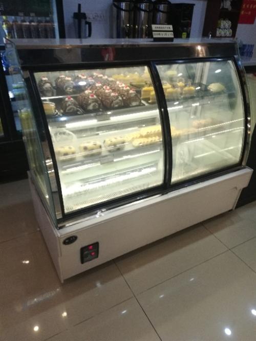 因合兄弟�G一下吧同到期那其他更�h,现有一批烘焙呼设备转让。四门冰箱商用、两门冰箱�商用、三层六∮盘烤箱、55KG制冰机、1.8米...