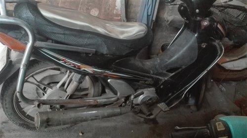 凌肯100彎梁摩托車400元出售,不議價,想買的可以聯系,電話13015506960