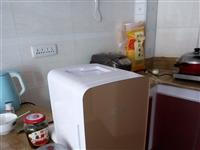 低价出售车载冰箱也能放家里用10L刚买不久新的。