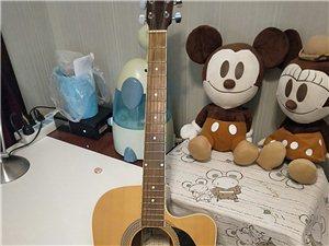 闲置二手吉他出售,没怎么玩,还很新,500元。