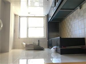 师范家属楼123平三室两厅一卫