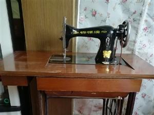 求购老式缝纫机一台,零部件完整,能正常使用,城区自提。有意者加微信,备注。