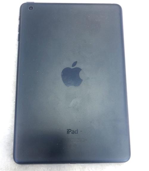 苹果7,32g,用了一年多,和新机一样,配件全1400,mini一代打包一起1600