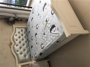 1.8。1.5。1.2宽床大发快3,九成�嫘滦〈玻�1800三个嗡床自提包床垫