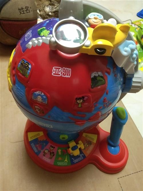 伟易达地球学习仪玩具,带电池。问号儿儿童三轮车手推车。全新。自己娃多余的玩具。