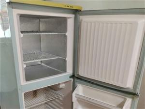 美菱冰箱,运行正常,