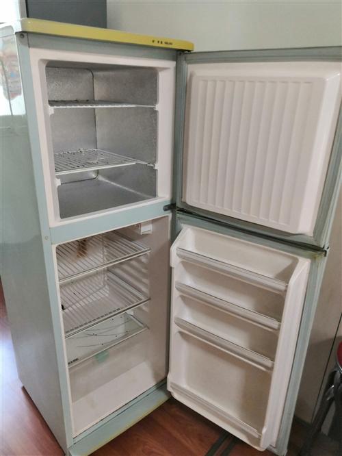 美菱冰箱,運行正常,