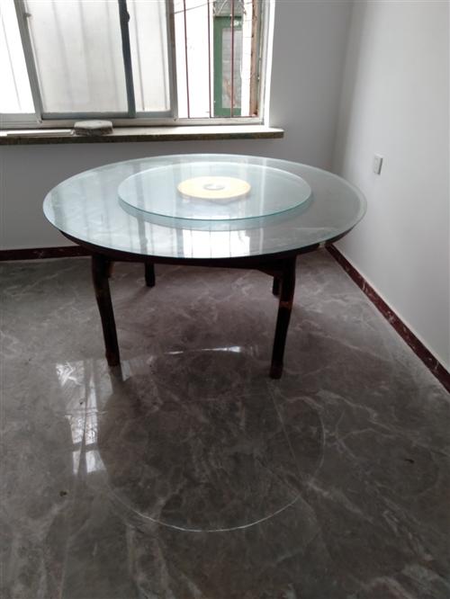 处理饭店用1米4圆桌2个,八成新,带转盘,15263009292