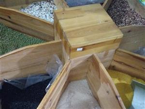 处理九成新八角实木米粮柜