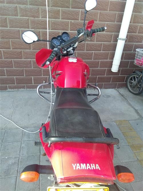 雅马哈摩托车八成新,跑了13600公里