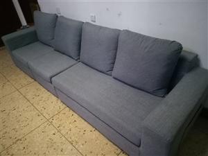 转一套沙发,八九成新,长2.80米,款0.83左右,办公室家居都适合。价格面谈。。需要联:15836...