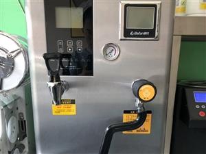 因有事转让99新饮品设备,制冰机,操作台,果糖机,热水器加蒸汽一体机,冷藏柜,保温桶,还有一些小部件...