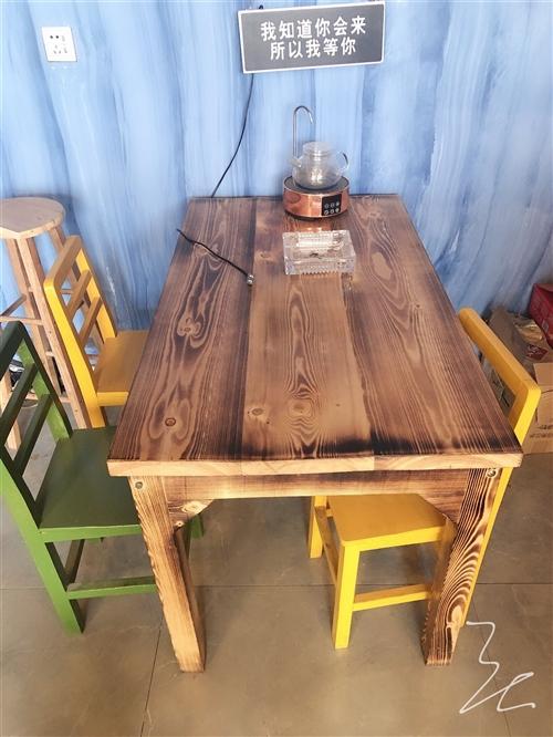 因店鋪關閉各種桌椅板凳家具電器低價出售,五張桌子十五把椅子,質量好全新沒用多久有意者聯系
