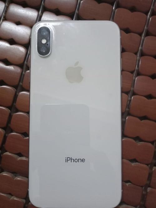 出售本人使用苹果X手机,64G,买不到半年