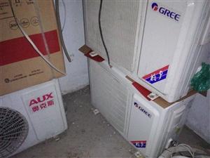 有大量积压二手空调,啥牌子都有,便宜处理了。