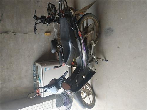 大洋摩托,4300買了四年了,手續都有,跑了11000公里,一切都好用