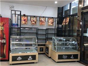 蛋糕房蛋糕柜高邊柜超低價轉讓,價格可商討,17775017491 尺寸:高邊柜a 長2.6×寬0....